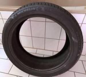 Alger-Vehicules-Pieces-pneu-michelin-205-45-R17