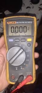 Bejaia-Matériaux-Equipement-multimetre