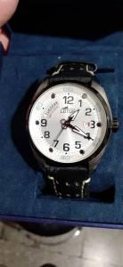 Blida-Loisirs-jeux-une-montre-Lutus-originale
