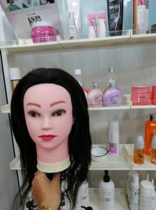 Alger-Mode-Beaute-Tête-malléable-cheveux-naturel