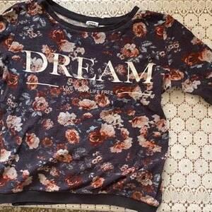 Oran-Mode-Beaute-Pull-DREAM-à-fleurs
