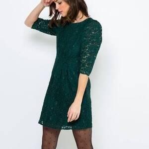 Alger-Mode-Beaute-Robe-verte-en-dentelle