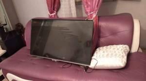 Mila-Informatique-Multimedia-TV-condor-43-pouces-,afficheur-cassé,je-vends-la-c