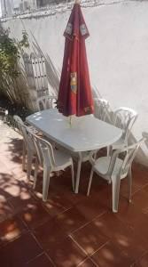 Alger-Maison-Jardin-Table-est-chaise